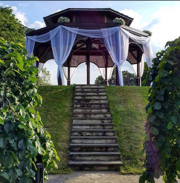 Dekoracje w ogrodzie - Dwór w Tomaszowicach / wedding decoration in Tomaszowice Manor/Poland.  Dekoracje/decorations: www.margaritta.pl #dwortomaszowice #tomaszowice  Fot. from Instagram: https://www.instagram.com/p/BGMtQt8po9j/?tagged=tomaszowice