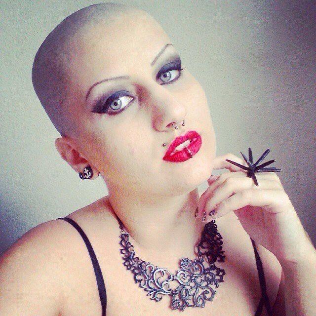 WEBSTA @ baldgirl_4