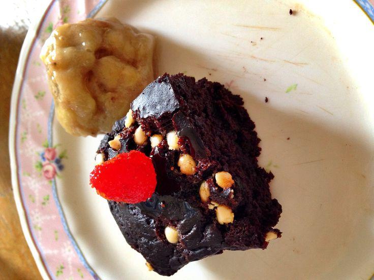#Clean brownie with banana ice-cream