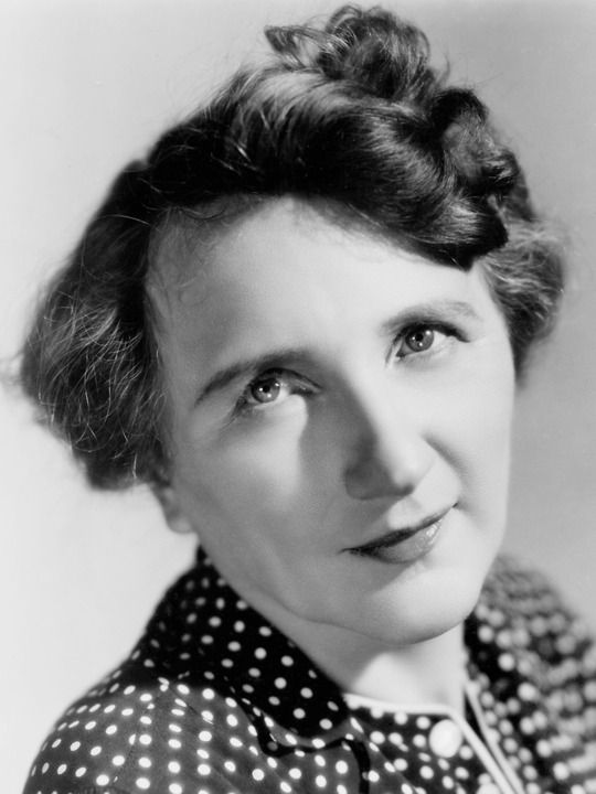 Marjorie Main - anyone watch the old ma & Pa Kettle movies?  So funny!