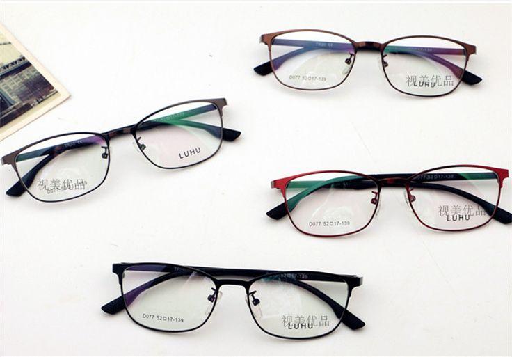 メガネのスタイルによっては印象も変わってきます。 どんなメガネでも似合う「卵型」の輪郭を基準に、「丸顔」「面長」「 三角顔」「四角顔」の4つの輪郭に分類して、 それぞれに適応する眼鏡を紹介。 顔型別おすすめフレーム。