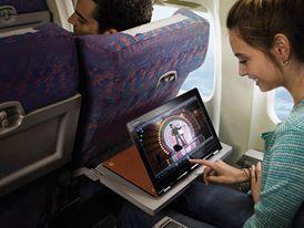 Una viajera YOGA: gran experiencia de uso en el avión.   www.lenovo.com/ar