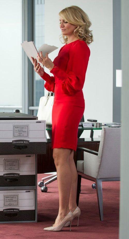 Cameron Diaz's On Screen Style #workwear #officewear #officestyle #camerondiaz #theotherwoman #theholiday #badteacher #movie #style #wardrobe   http://www.practicallyfashion.com/cameron-diazs-screen-style/