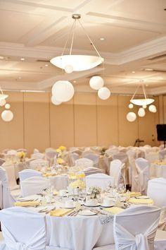 7.mariage-jaune-et-gris-salle