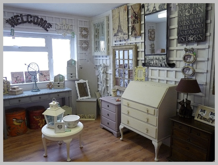 Nice selection of Handpainted Items, painted in our Autentico paints