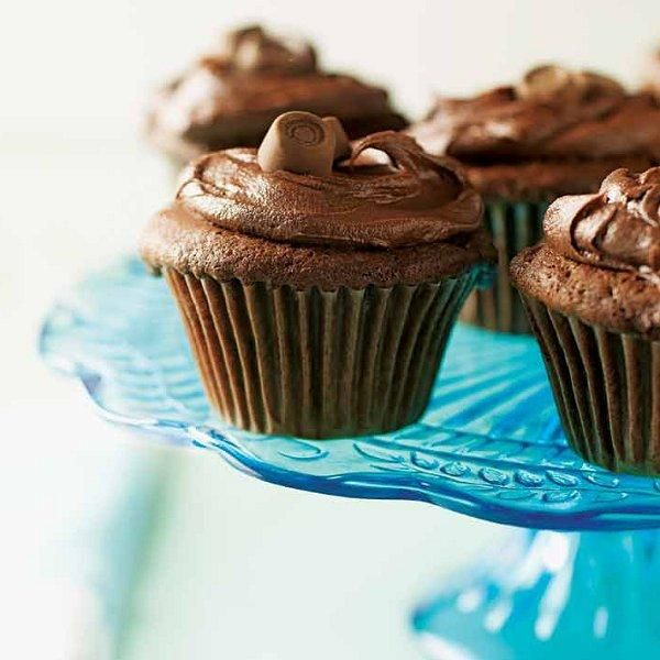 "Caramel Surprise Cupcakes"" Chocolate cupcakes with chocolate icing ..."