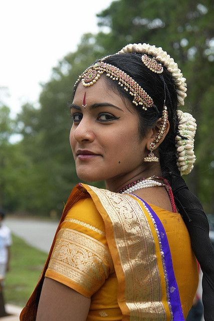 A gorgeous Indian girl ( Image by Joe Routon )