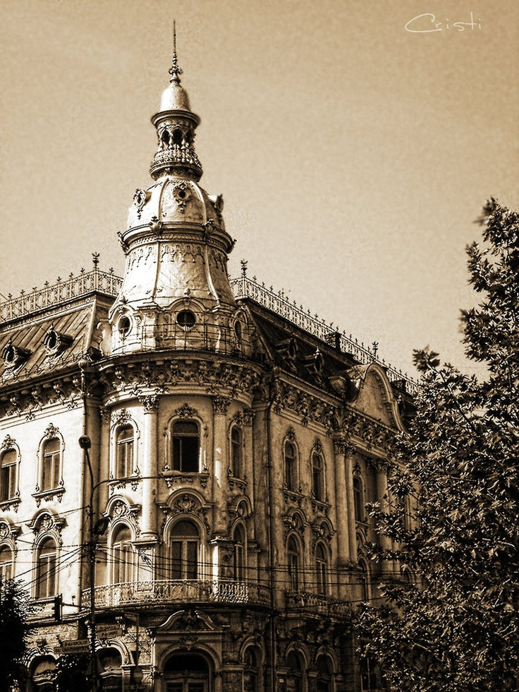 Cluj-Napoca, Romania - Moms hometown. If only they had kept theese buildings in good shape. Such a shame!