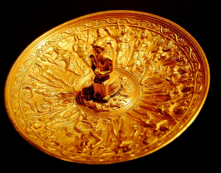 Patera da Pietroasele. Patera (libation bowl) from Pietroasele hoard.