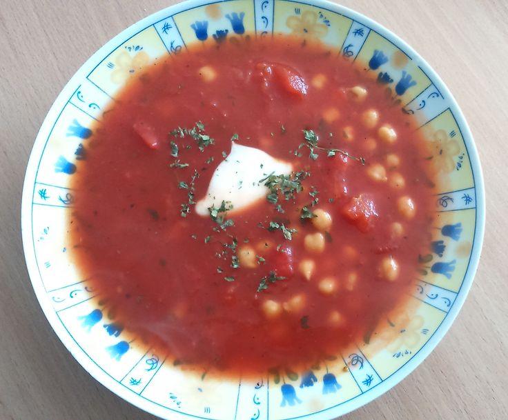 Kolejny nowy przepis ;) Tym razem ciecierzyca, a dokładnie ciecierzyca w sosie pomidoroow-bazyliowym. Bardzo szybkie i proste w przygotowaniu danie i do tego bardzo smaczne ;) http://ymt24.pl/ciecierzyca-w-sosie-pomidorowo-bazyliowym  #ciecierzyca #przepis #ymt24 #blog #pomidory #sos #obiad #bazylia #zdrowie #fit