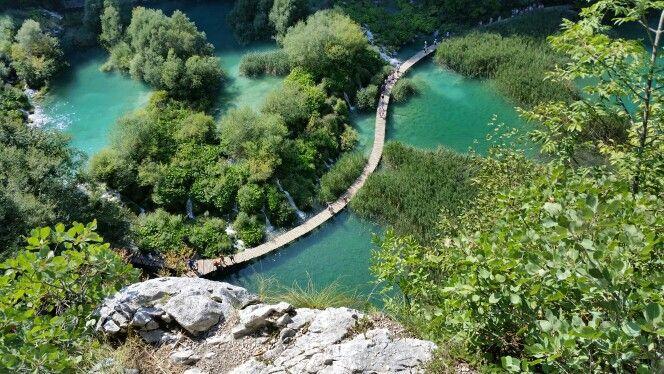 Croatia Plitvice lakes Chorwacja Plitwickie jeziora wodospady lazurowa woda