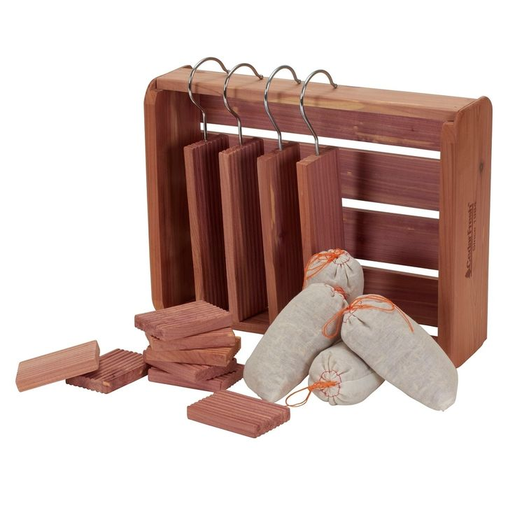 Household Essentials Cedar Crate with Hangups Blocks and