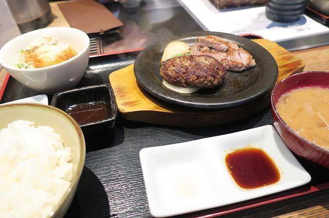 9/5 #昼食 #お昼ごはん #お昼ごはん🍴 #おひるごはん #手抜き #lunch #food #instafood #肉 #meat #卵 #egg #eggs #米 #rice #日本食 #和食 #japanesefood #外食 #eatout #eatoutjp #eatoutjapan #大阪 #osaka