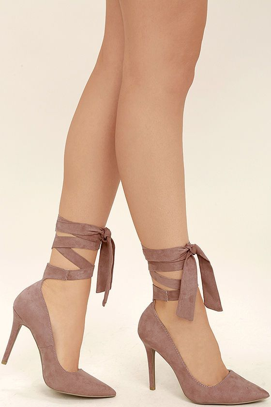 Take your date for a twirl across the dance floor in the Chantel Mauve Suede Lace-Up Heels! These perfect pointed pumps (made from vegan suede) are topped with long laces that wrap and tie around the ankle.