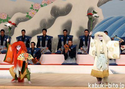 『弥生の花浅草祭』 左より、坂東亀蔵、尾上松緑