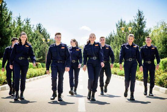 Dacă te-ai gândit să devii polițist, pompier, jandarm sau polițist de frontieră, sunt scoase la concurs 855 locuri!