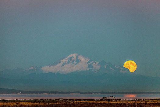 Art Calapatia - Mount Baker Moonrise 2