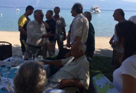 """ΜΕΤΑβαση: ΣΥΡΙΖΑ Αιγίου: """"Ούτε κόκκος άμμου στους ιδιώτες"""""""
