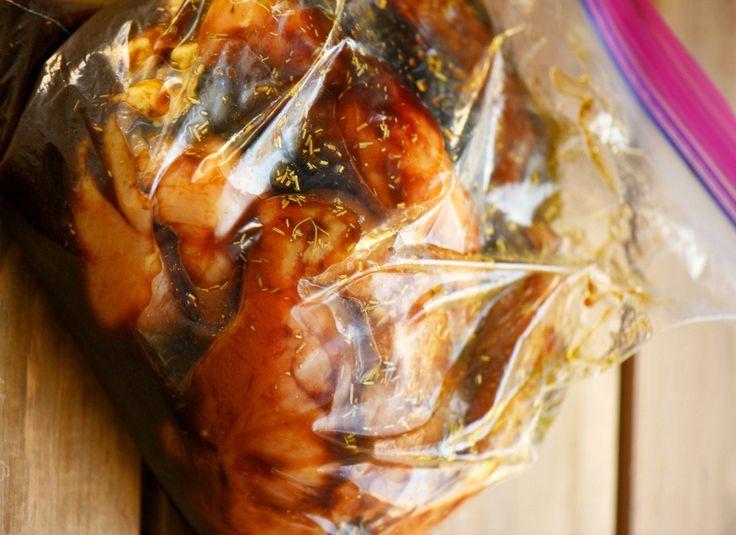 Une marinade absolument parfaite pour les poitrines de poulet et très facile à préparer…