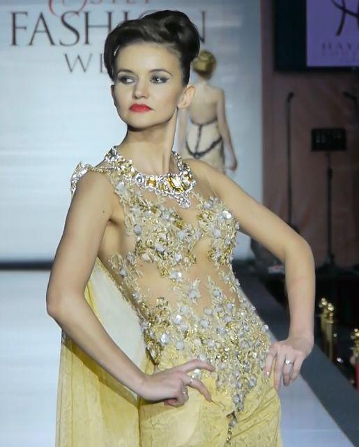 #GoldDress #HayariParis #Luxury