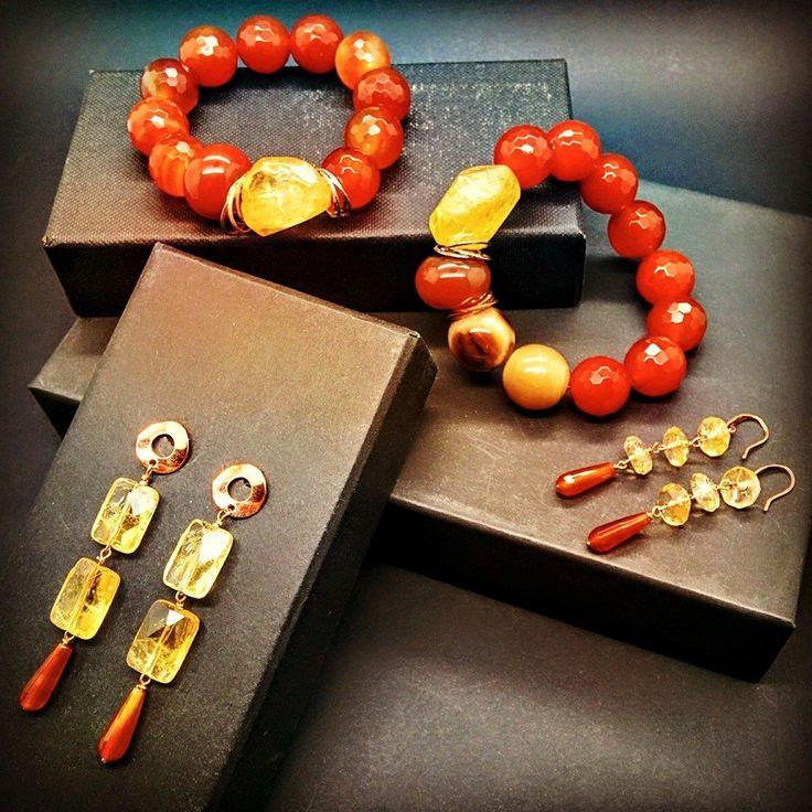 """""""Composizione di orecchini e bracciali Arancio, Rosso e giallo con rifiniture in argento senza Nichel"""".  #nails #outfit #bijoux #shoes #shopping #style #makeup #pearl"""