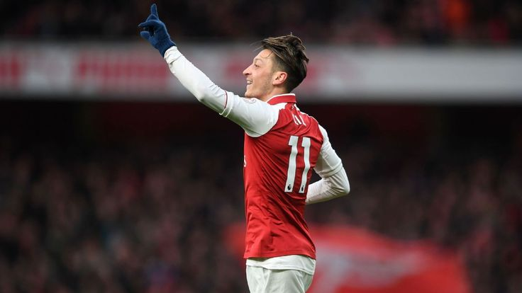 Arsene Wenger on Mesut Ozil: I believe he wants to stay at Arsenal