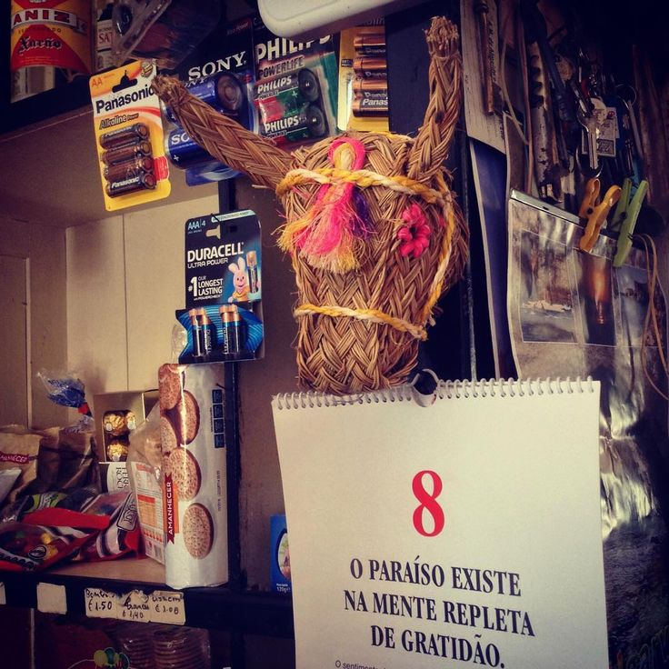 Snack-bar shop! Mix of mixed things!! #traditionalcreativity #craft #traditional #algarve #taberna #