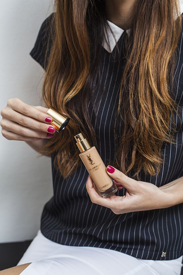 Obsessed with the gorgeous Touche Eclat Le Teint foundation by YSL! Can't put it down! | Sono ossessionata dal fondotinta di Touche Eclat Le Teint da YSL! Non riesco a smettere!
