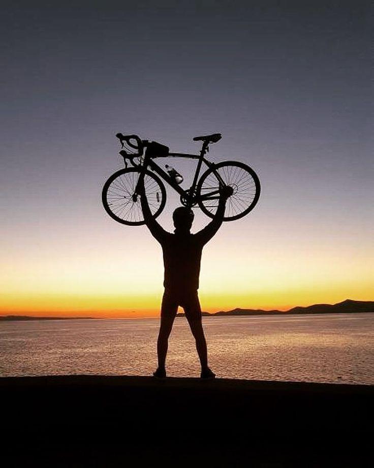Yeni güne merhaba  @yyalcincitak teşekkürler #bisikletliyasam #bisikletliulasim #günaydın #bubisiklet #mersinbisiklet #bisiklet #bisikletaşkı #bisikletturu #bisikletliulasim #bisikletkeyfi #bisikletkeyfi #manzara #gökyüzü #görsel #doğa