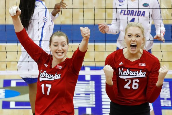Huskers Down Gators Net Fifth Volleyball Title Nebraska Volleyball Inspiration Volleyball National Championship