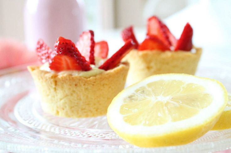 Cestini di fragole con crema al limone #editorial #madameeleonora #food #foodwriters #recipies photo by @Laura Jayson Miucci Ph