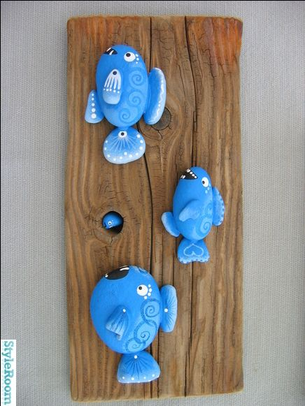very, very cute idea for painted stones - (I don't know why this pinned vertical instead of horizontal)