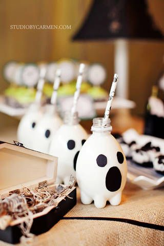 Ghost milk bottles from aqua pod water bottles. How fun!Dessert Tables, Halloween Desserts, Halloween Parties Ideas, Halloween Drinks, Milk Bottle, Halloween Treats, Bottle Ghosts, Ghosts Bottle, Water Bottles