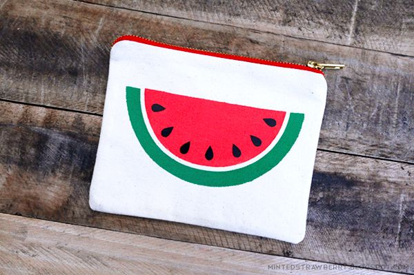 DIY: Easy Watermelon Slice Pouch {free stencil} - Todays Creative Blog