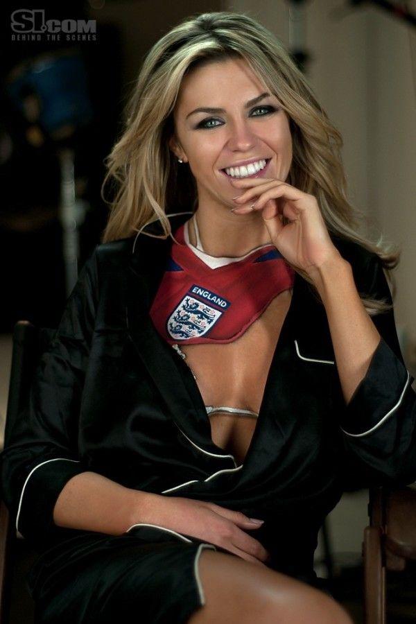 abigail clancy british swimsuit - photo #26