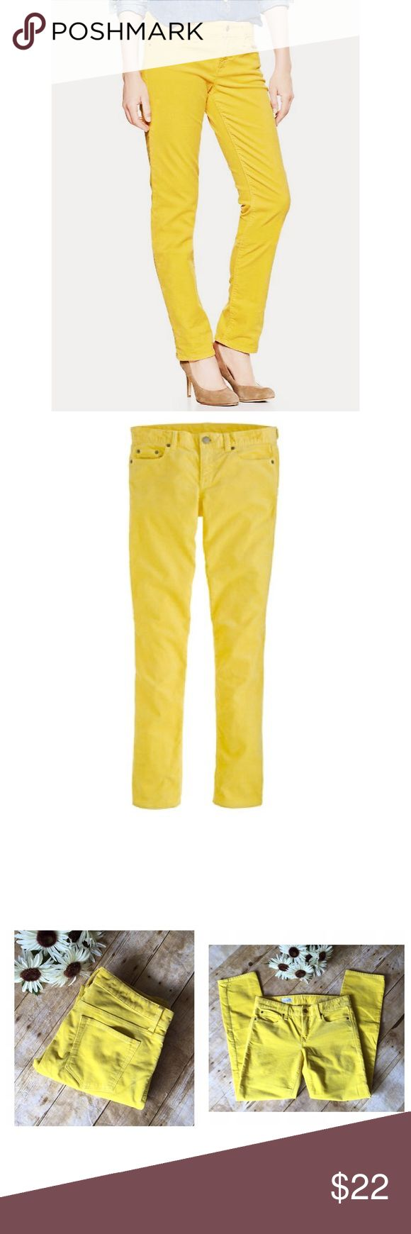 GAP Real Petite Corduroy Pant in Canary Yellow GAP Corduroy pants in a fun canary yellow color & a straight leg fit. This are in excellent condition & a great addition to brighten up your fall/winter wardrobe! NO TRADES OR PAYPAL! GAP Pants Straight Leg