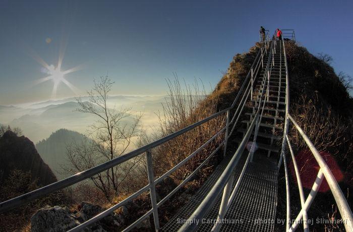 This metal footpath helps to ascend the rocky summit of Trzy Korony. #Pieniny #Poland www.simplycarpathians.com