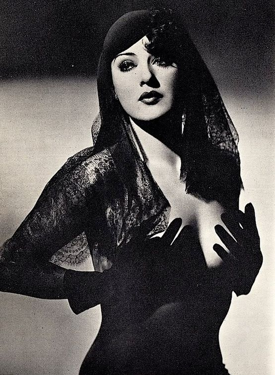 Gypsy Rose Lee, Gorgeous woman who was best known for her burlesque shows through the 1930's but a great actress and writer too. Description from pinterest.com. I searched for this on bing.com/images