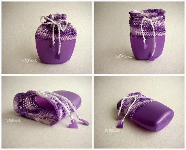 decoriciclo: sacchettino semi-rigido viola, fatto con il fondo di un flacone di shampoo e cotone lavorato all'uncinetto