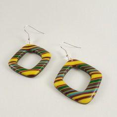 Boucles d'oreilles multicolores aux couleurs des antilles ...