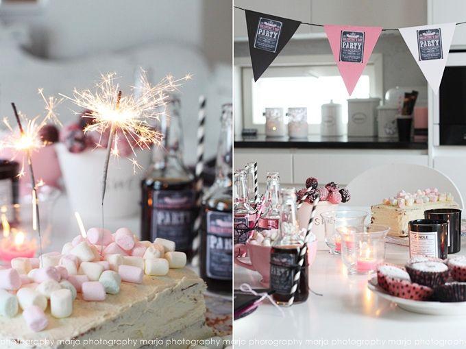 let´s party - Vaaleanpunainen hirsitalo | Divaaniblogit