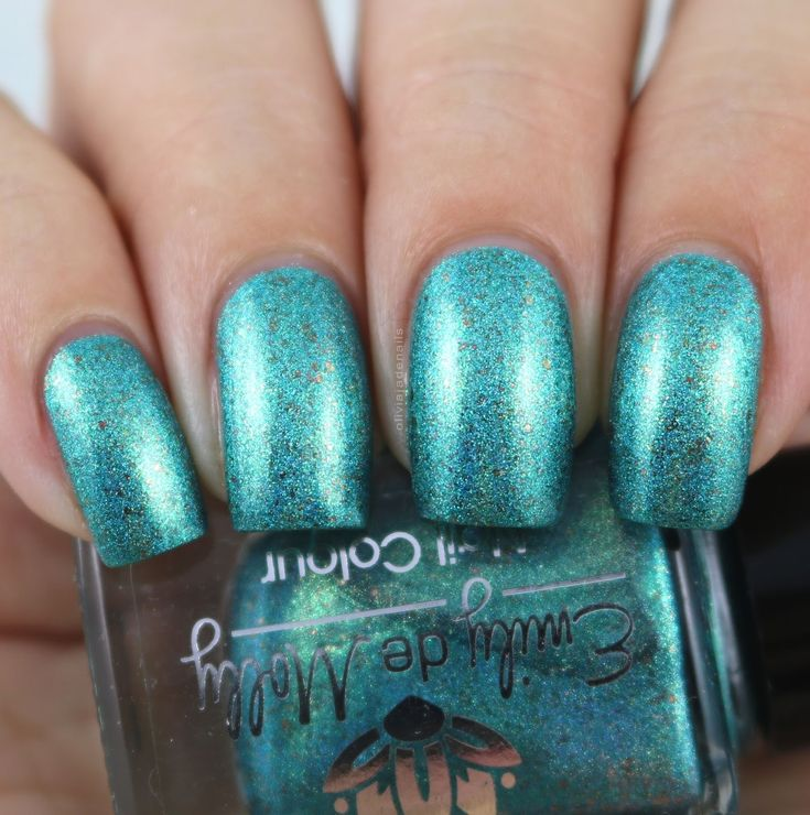 Emily de Molly Long Road Trips swatched by Olivia Jade Nails