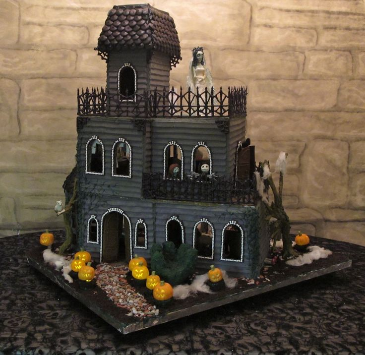Ghoulish Gingerbread Haunted House