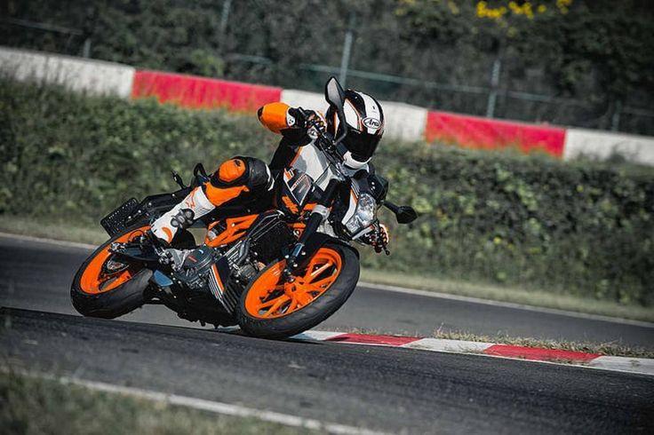 Old KTM Duke 390 vs New KTM Duke 390 https://blog.gaadikey.com/old-ktm-duke-390-vs-new-ktm-duke-390-comparison/