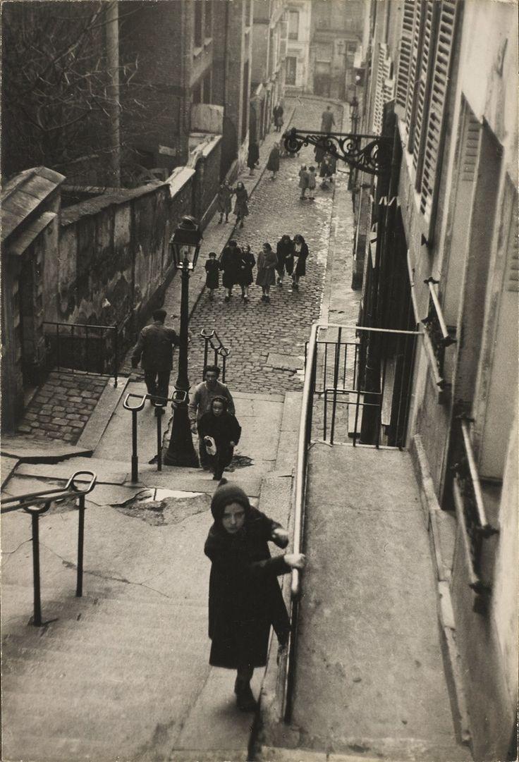 Montmartre était un terrain de jeux ! / Montmartre was a playground ! / By Edouard Boubat, 1951.