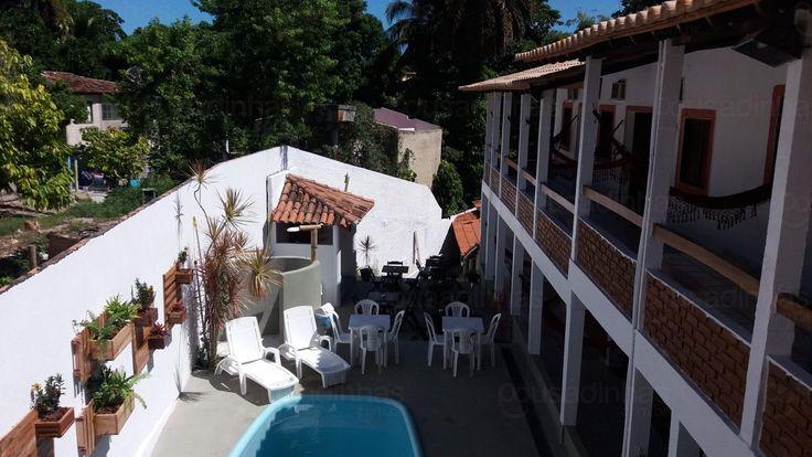 A Pousada Arraial da Poesia está localizada em Arraial d'Ajuda, Bahia. A pousada dispõe de piscina ao ar livre e oferece confortáveis acomodações com ar condicionado, TV, banheiro e ventilador de teto.
