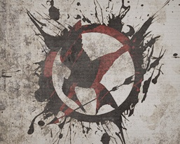 lovely mockingjay art found at capitol couture, apparently by amyisalittledecoy