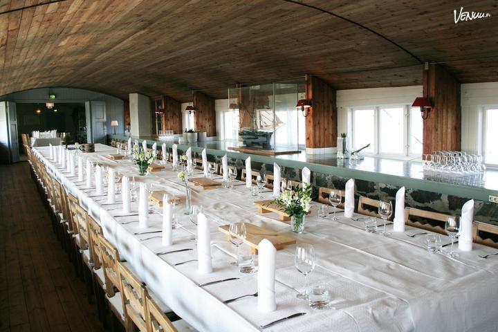 Helsingin edustalla saaressa sijaitseva Ravintola Särkänlinna on paikka ikimuistoisille juhlille.