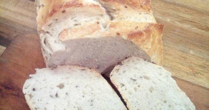 Mennyei Kenyèr recept! Lassan 1,5 ève, hogy nem vásárolunk boltban kenyeret. Azóta folyamatosan próbálom a különbfèle kenyereket.
