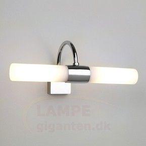 Hvid DAYTON væglampe til spejlet 1020020 1100 kr.